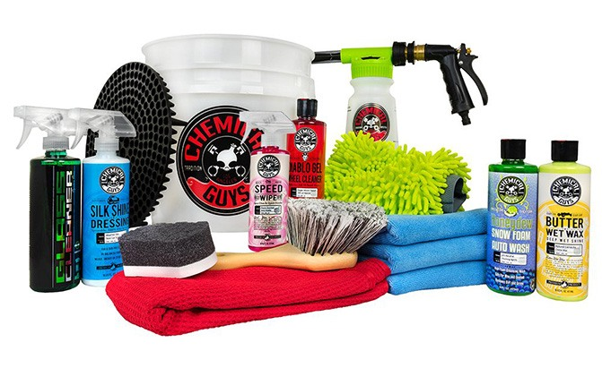 chemical guys 16-piece arsenal builder wash kit with torq blaster foam gun