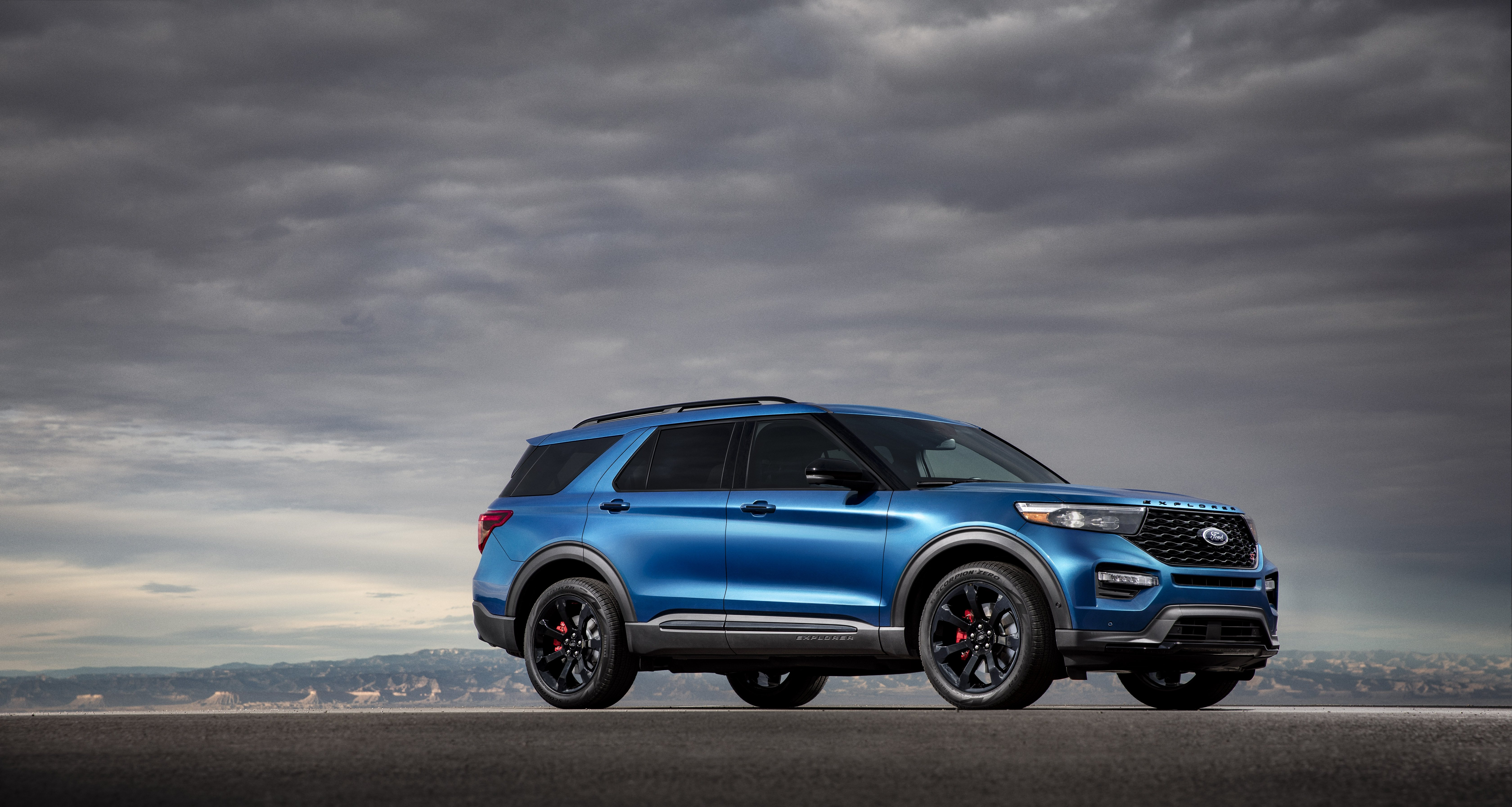 Ford Explorer Models >> Ford Explorer Review Specs Pricing Features Videos And