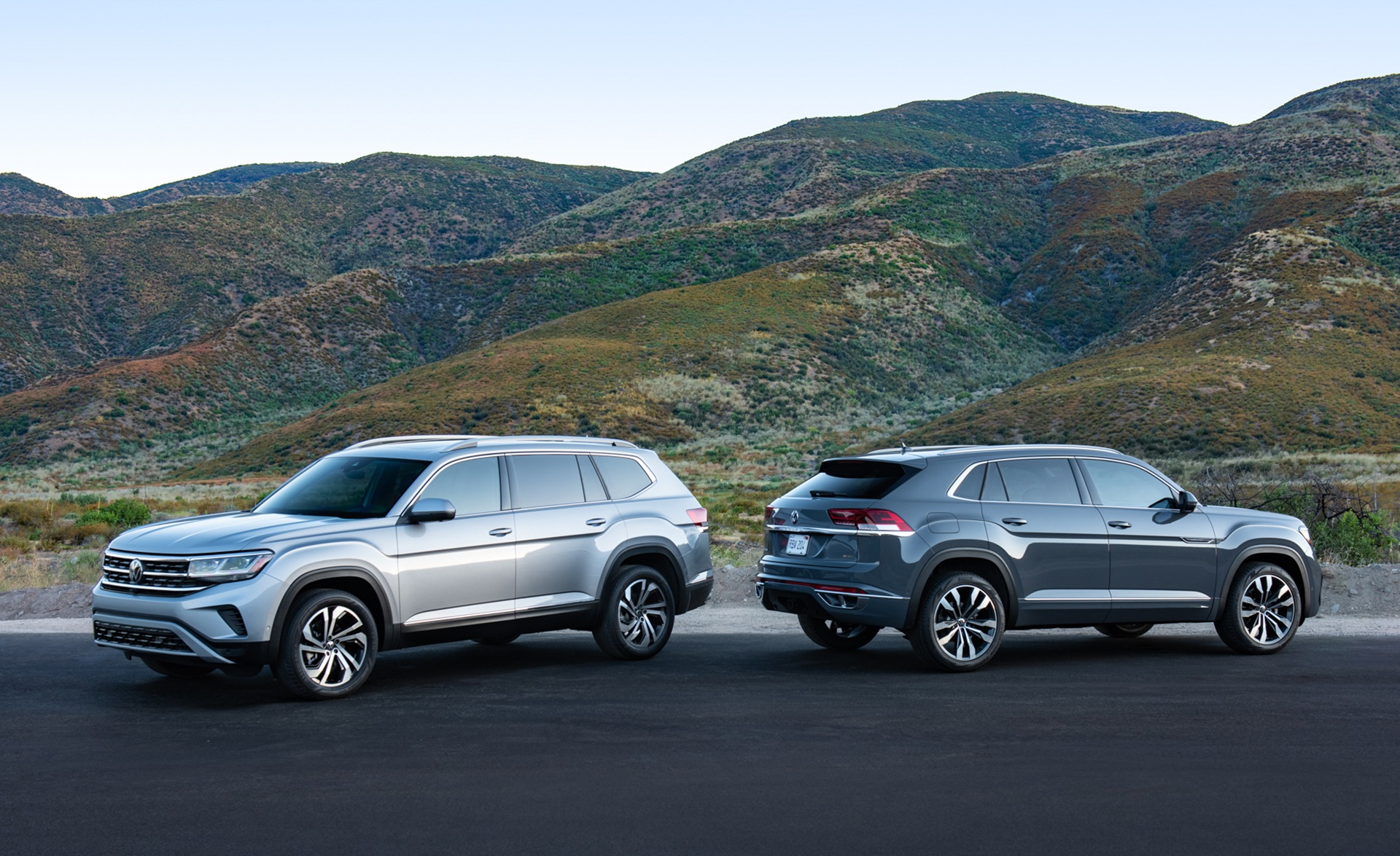 2021 Volkswagen Atlas and 2020 Volkswagen Atlas Cross Sport