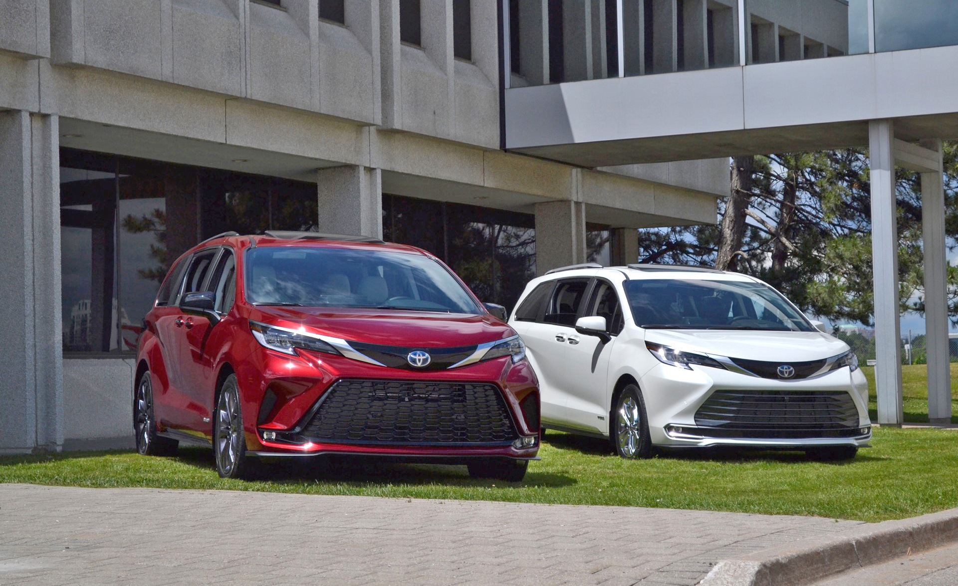 2021 Toyota Sienna XSE and Platinum