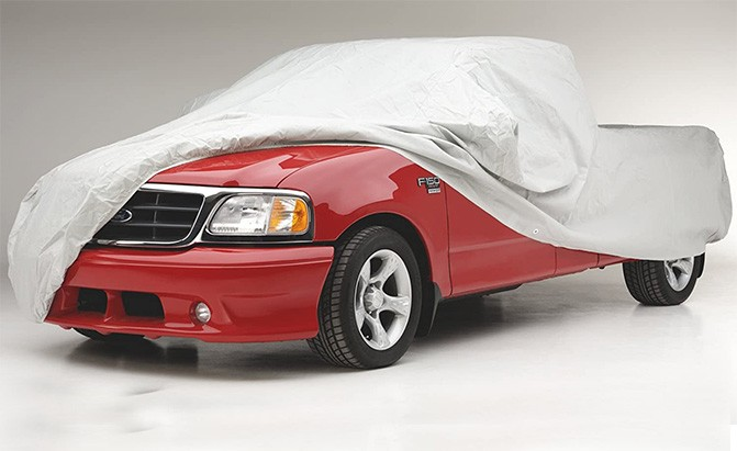 The Covercraft Ready-Fit Technalon SUV Cover is a lightweight, semi-custom cover that is appropriate for both indoor and outdoor use, making it one of the top SUV covers.
