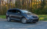 2021 Chrysler Pacifica AWD front three-quarter static shot