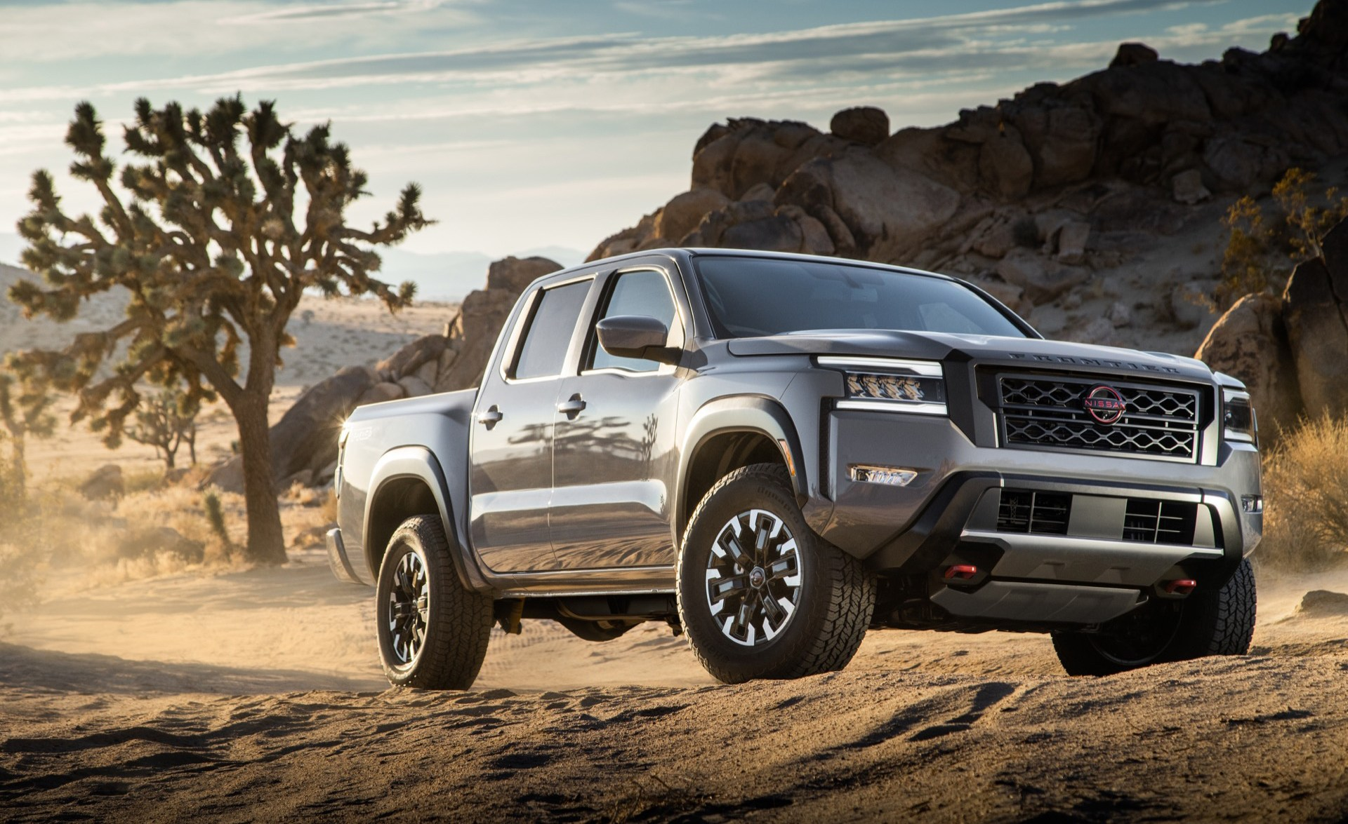 2022 Nissan Frontier PRO-4X in Boulder Grey Pearl