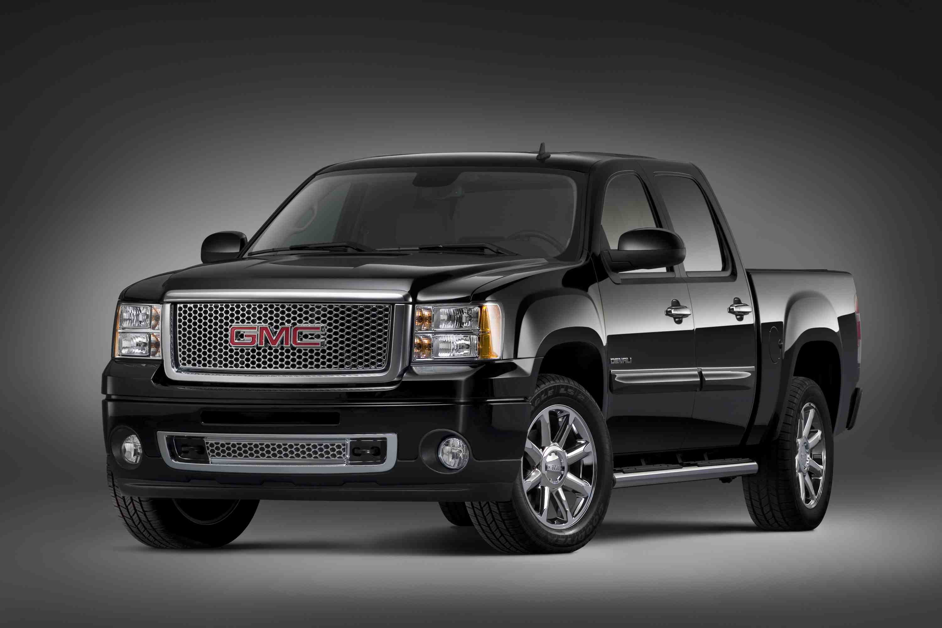 autosavant crew hd with duty gmc dual pickup revamped denali heavy gm rear lineup wh cab unveils sierra