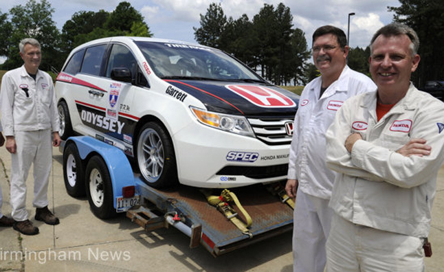 Honda Manufacturing Of Alabama Is Entering The One Lap Of America Endurance  Race Again This Year, Running In An Odyssey Minivan That Pumps Out 523 Hp.