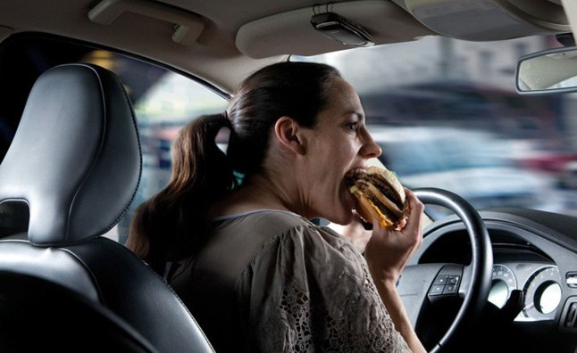 eating while driving deadlier than texting behind the wheel study shows news. Black Bedroom Furniture Sets. Home Design Ideas