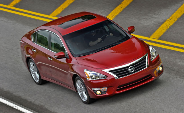Nissan Altima 2012 Red