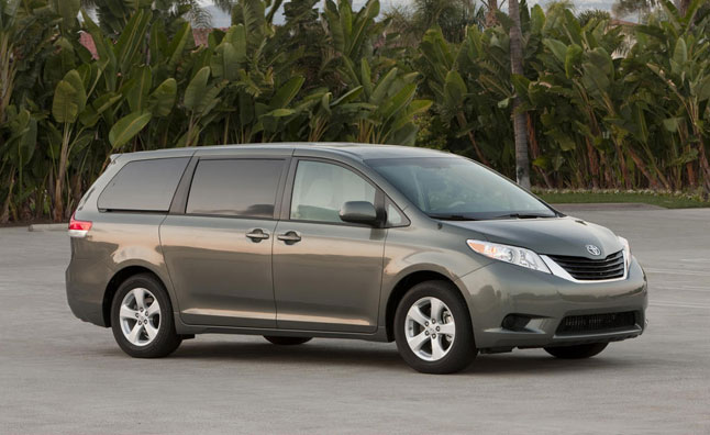 2013 toyota sienna update detailed news. Black Bedroom Furniture Sets. Home Design Ideas