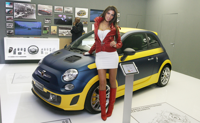 Abarth 695 Fuori Serie Shows Customization in the Extreme ...