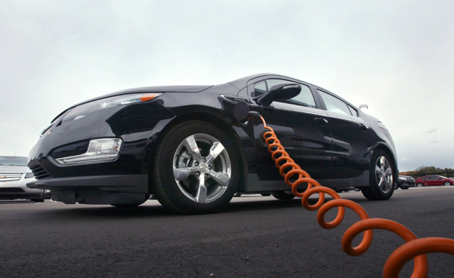 chevy volt app shows your charge up costs news. Black Bedroom Furniture Sets. Home Design Ideas