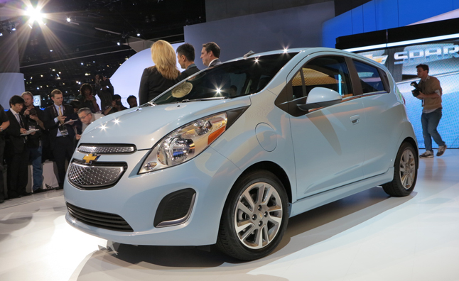 2017 Chevrolet Spark Ev Makes Official Debut La Auto Show