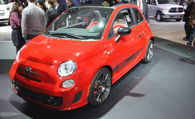 fiat 500 abarth cabrio adds to u s lineup 2012 la auto. Black Bedroom Furniture Sets. Home Design Ideas