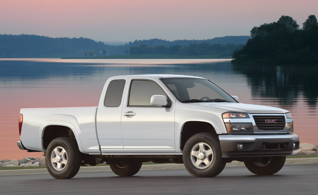 gmc canyon chevy colorado recalled for hood issue news. Black Bedroom Furniture Sets. Home Design Ideas