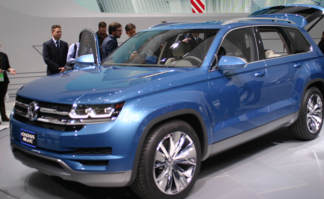 With An Innovative New Plug In Hybrid Sel Train The Volkswagen Crossblue Concept Has Just Been Uncovered Today At 2017 Detroit Auto Show