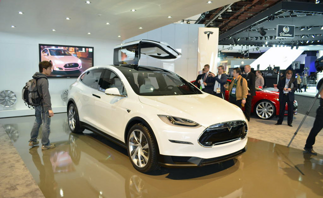 tesla model x interior is shockingly nice 2013 detroit auto show news. Black Bedroom Furniture Sets. Home Design Ideas