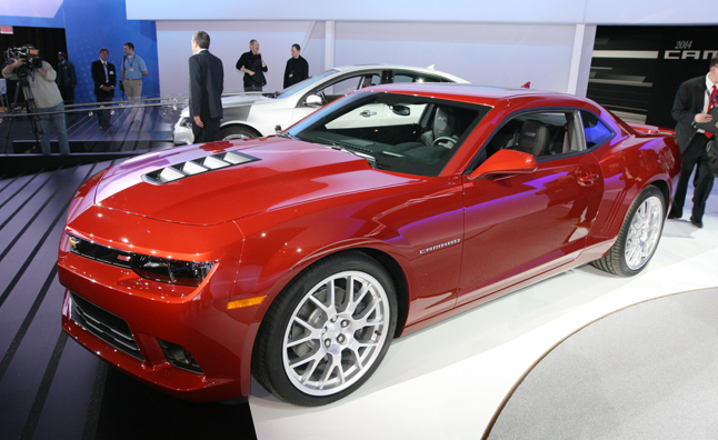 2014 Chevrolet Camaro Ss Looks Wider Lower Meaner Autoguide News
