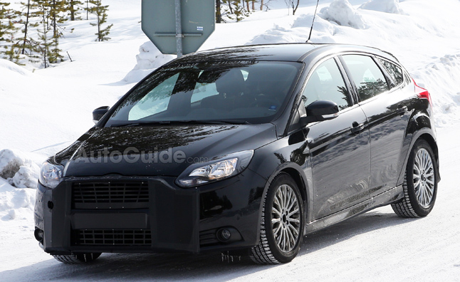 2015 Ford Focus RS Mule Caught in Spy Photos  AutoGuidecom News