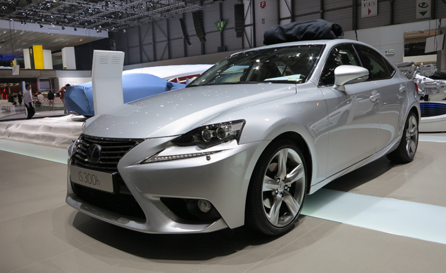 lexus is 300h unveiled with 220 hp not for sale in us news. Black Bedroom Furniture Sets. Home Design Ideas