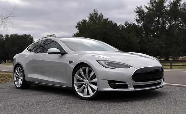 Tesla Wants Lower Cost Electric Car To Beat Nissan Leaf Autoguide News