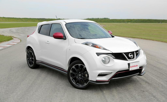 nissan juke nismo off to a strong start with 3 700 units. Black Bedroom Furniture Sets. Home Design Ideas