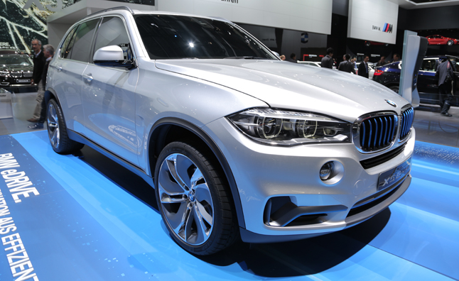 bmw x5 edrive concept video first look news. Black Bedroom Furniture Sets. Home Design Ideas