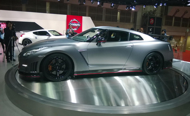 Some Way, Somehow, Nissan Continues To Find A Way To Improve Its Menacing  GT R Sports Car, Unveiling The 2015 Model Along With A NISMO Variant At  This ...