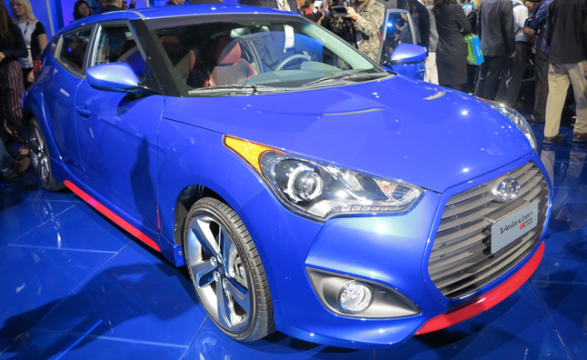 2014 hyundai veloster turbo r spec is one hot hatch. Black Bedroom Furniture Sets. Home Design Ideas