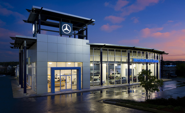 Mercedes usa challenges its dealers for better customer for Dealer mercedes benz