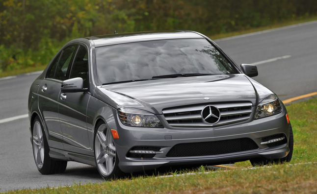 mercedes recalls 126 260 vehicles for airbag flaw. Black Bedroom Furniture Sets. Home Design Ideas