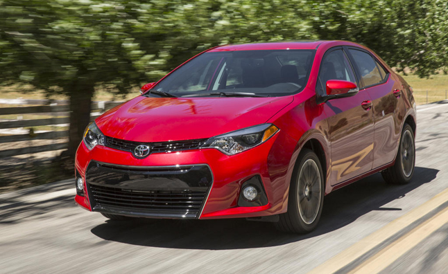 2015 toyota corolla earns nhtsa five star safety rating news. Black Bedroom Furniture Sets. Home Design Ideas