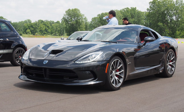Cheap Car Insurance For Teens >> Five-Point Inspection: 2015 Dodge Viper GTS » AutoGuide ...