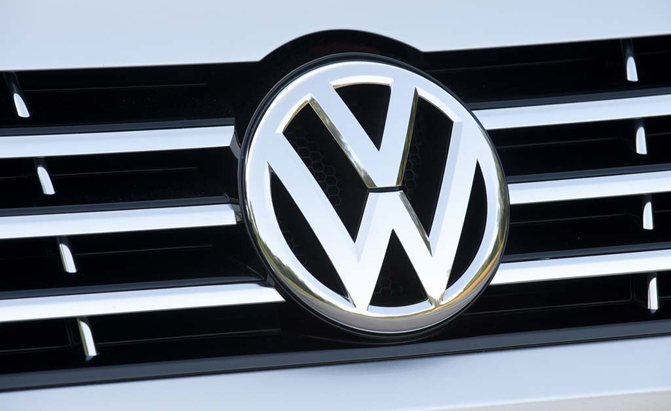 Vw Plots New Premium Midsize Sedan 187 Autoguide Com News