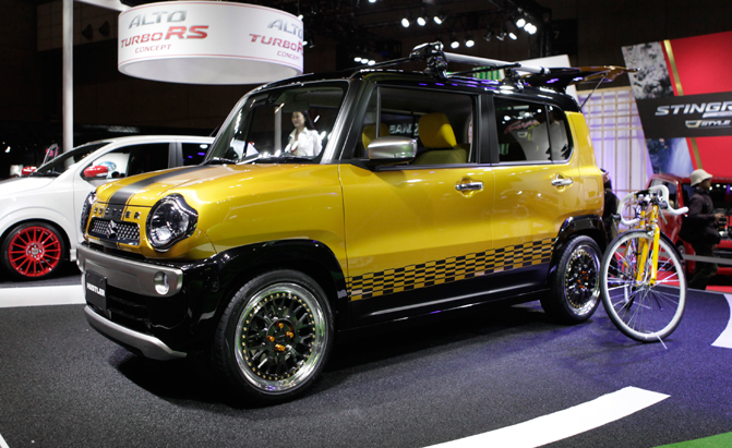 Suzuki Hustler Is Strangely Stylish In Black And Yellow