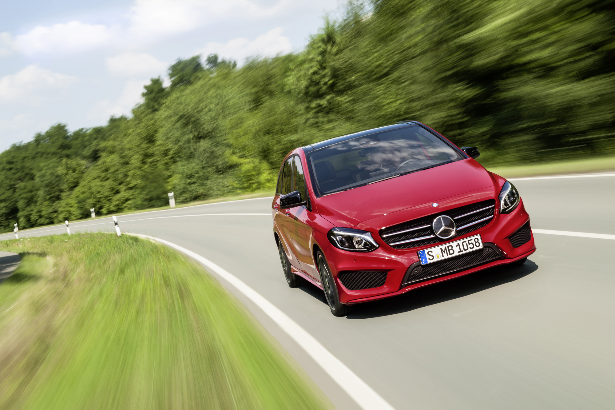 2015 Mercedes Benz B250 4matic Review Autoguide Com