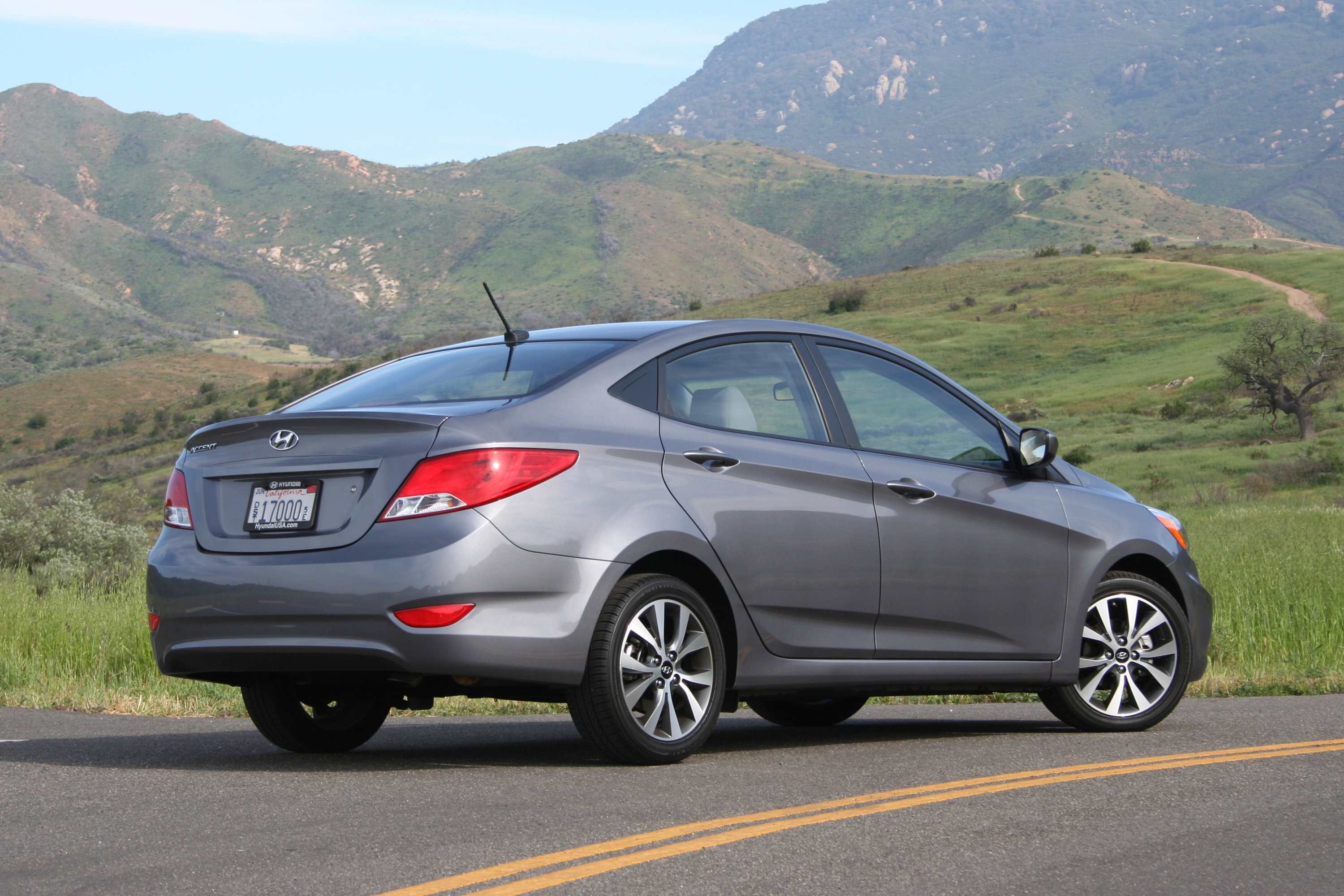 2015 Hyundai Accent Review - AutoGuide com