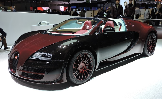 bugatti veyron price in dollars bugatti veyrons like this rare grand sport are still selling. Black Bedroom Furniture Sets. Home Design Ideas