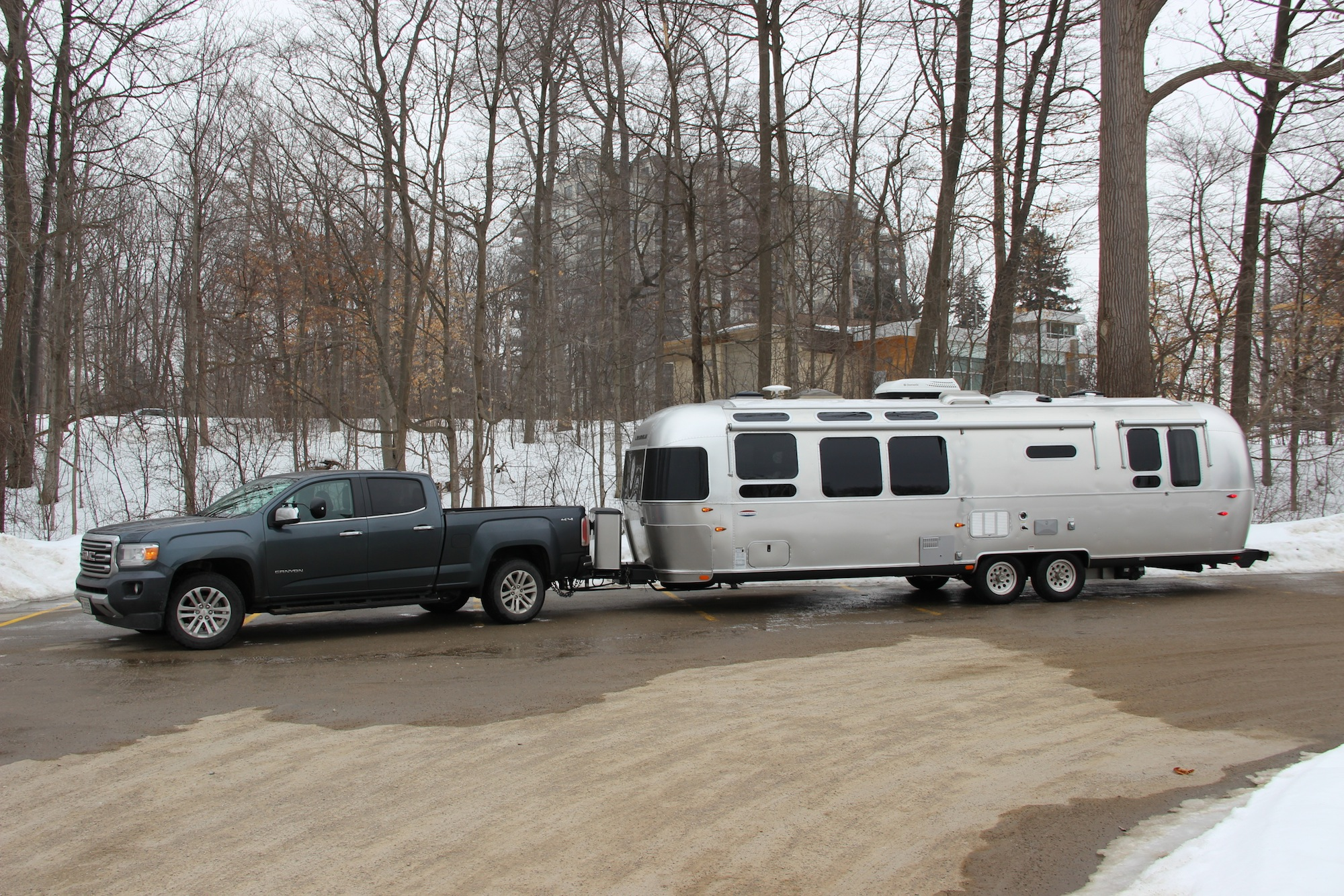 how to properly level a travel trailer