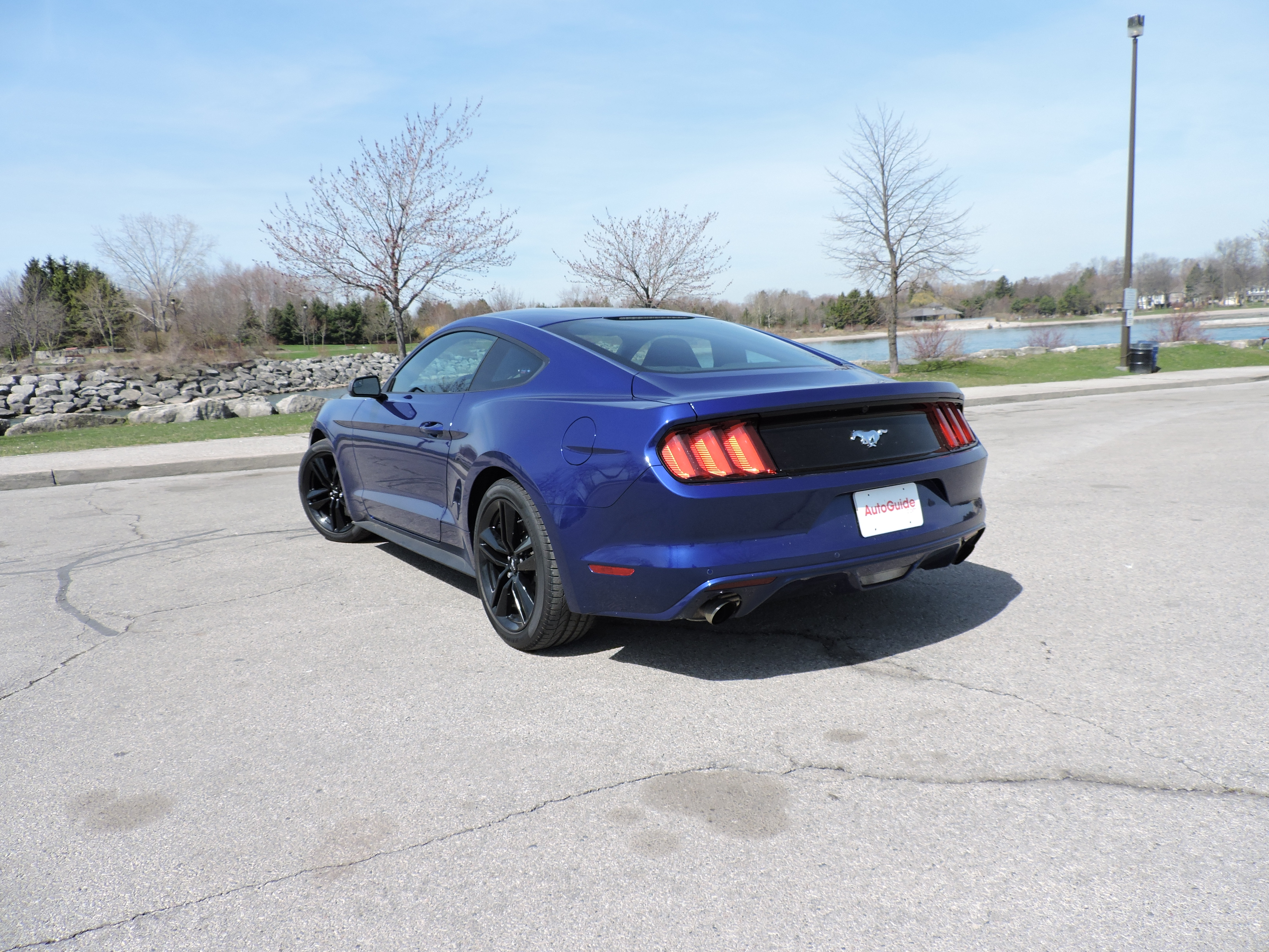 2015 Ford Mustang V6 Vs Ford Mustang Ecoboost Autoguide Com