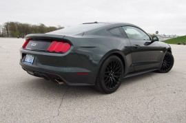 2015 Ford Mustang GT Rear 01