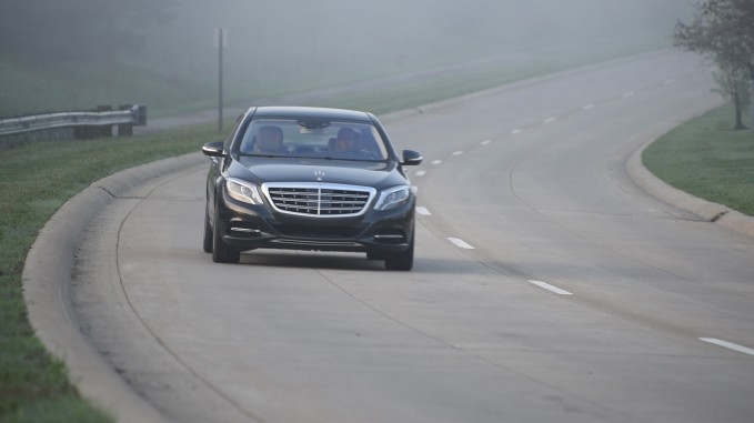 2016 Mercedes-Maybach S600 Front 03