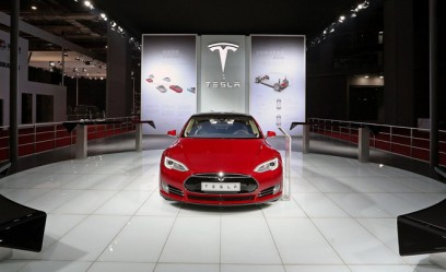 Tesla Reports $154M Loss in Q1 2015