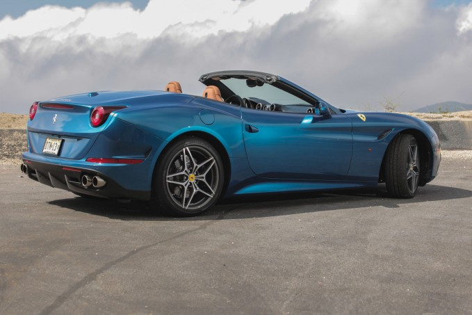 2015-Ferrari-California-T-03