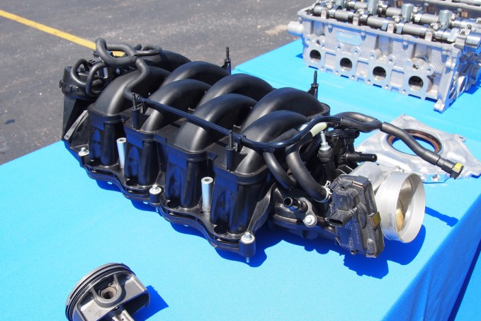 2016 Ford Shelby GT350 Intake Manifold 01