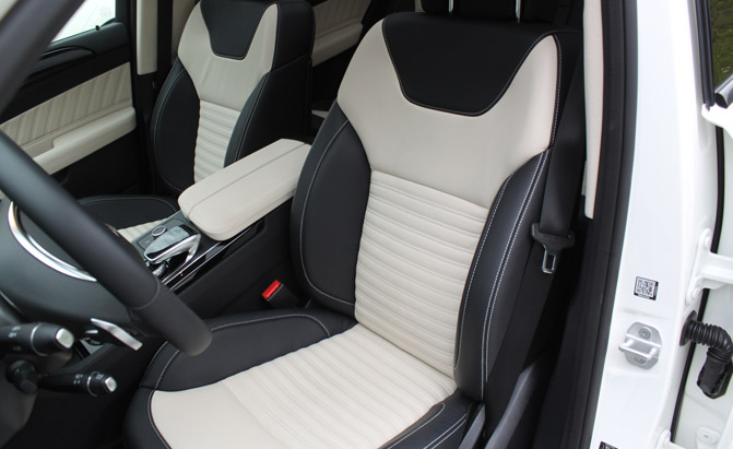 2016-Mercedes-GLE-SUV-seats