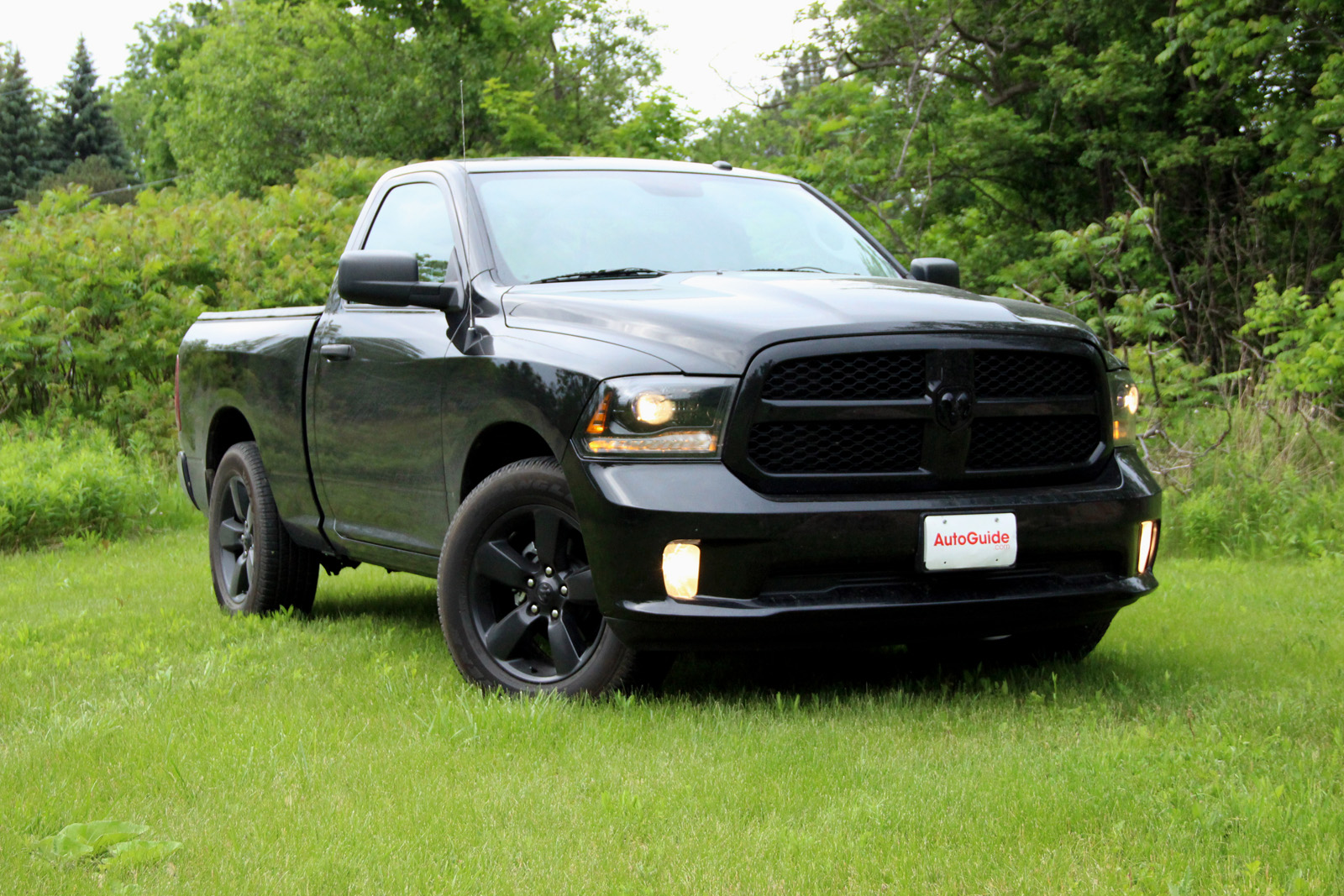 Blacked Out Ram >> 2015 Ram 1500 Black Express Review Autoguide Com