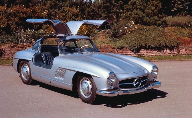 1954 - 300 SL - first use of direct petrol injection