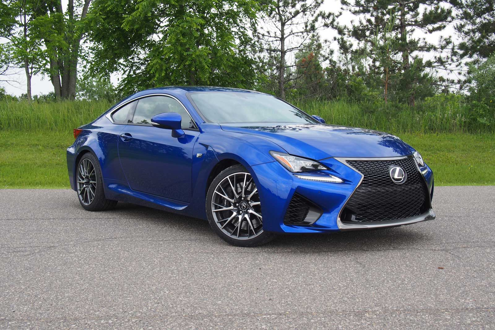 2015 lexus rc f front three quarter 01