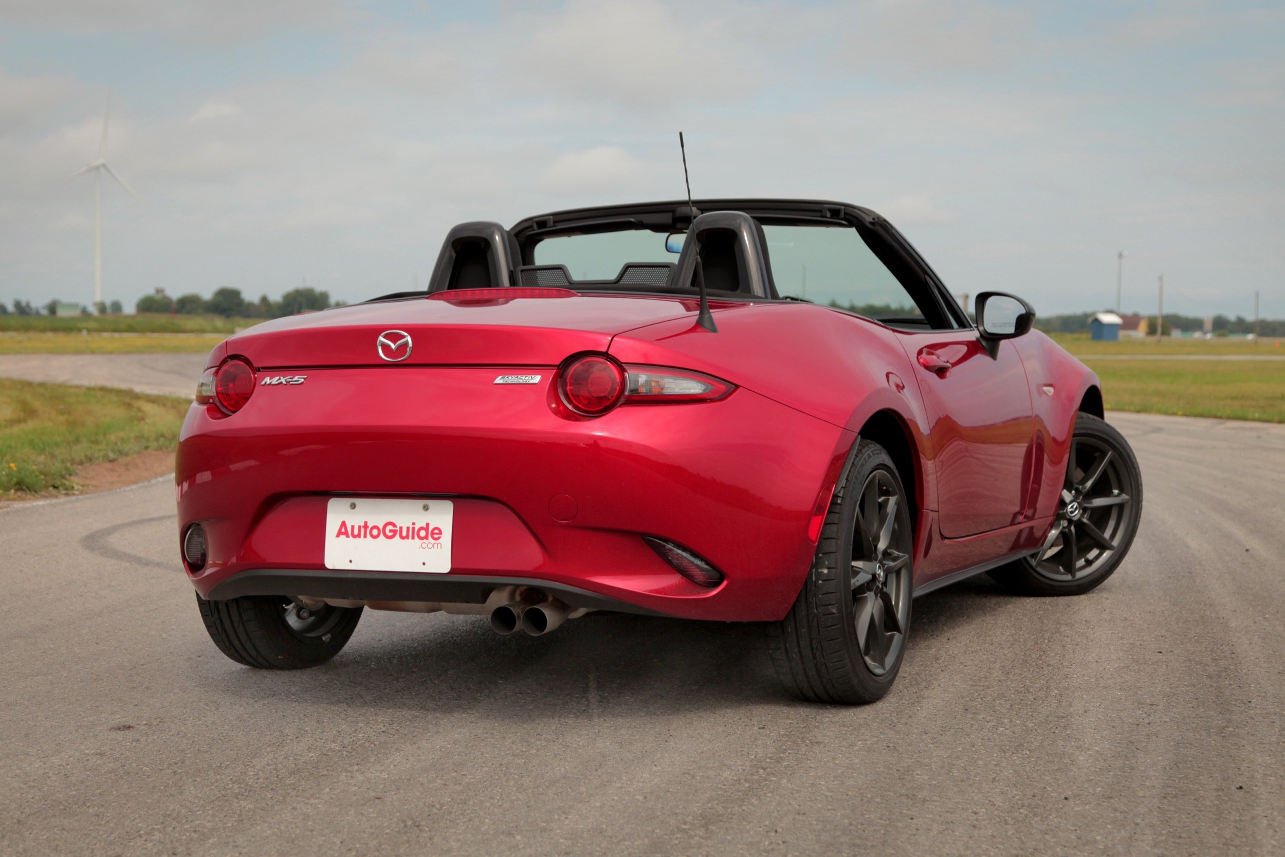 2016 mazda mx 5 miata vs 2015 mazda mx 5 miata news. Black Bedroom Furniture Sets. Home Design Ideas