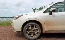 2016-Subaru-Forester-review-mud