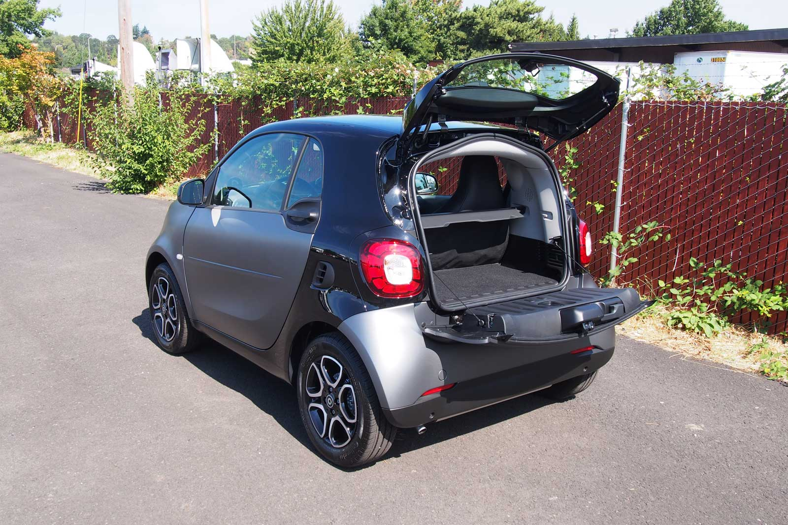 2016 smart fortwo review. Black Bedroom Furniture Sets. Home Design Ideas